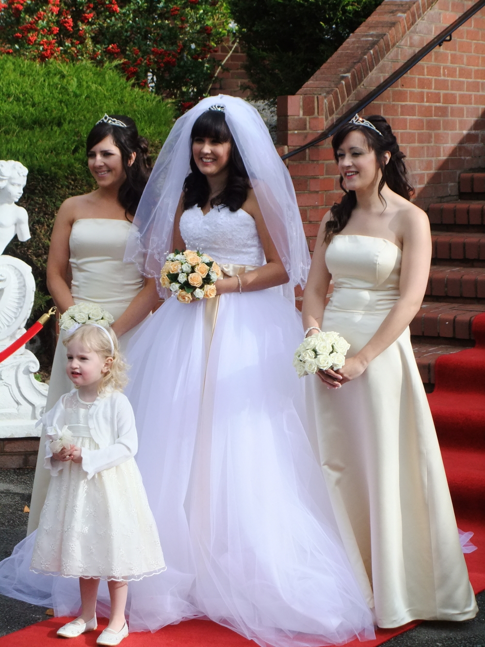 How to choose bridesmaids dress full guide weddings spirit how to choose bridesmaids dress full guide5 ombrellifo Images