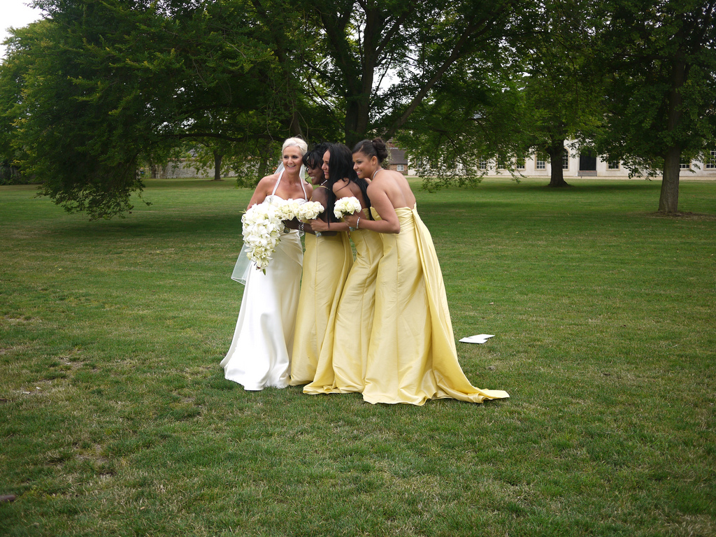 How to choose bridesmaids dress full guide weddings spirit how to choose bridesmaids dress full guide8 ombrellifo Images