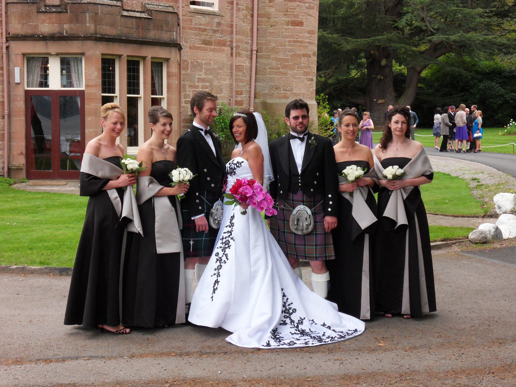Wedding Dress For Hire Glasgow : Scottish wedding piper for hire glasgow edinburgh scotland